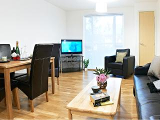 BOREHAMWOOD LUXURY 2 BED / 2 BATH APARTMENT