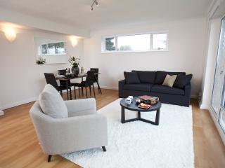 HIGHGATE TWO BEDROOM LUXURY APARTMENT, Londres