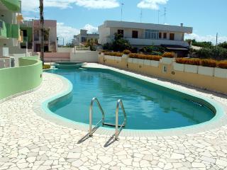 splendido appartamento con piscina, Torre Dell'Orso