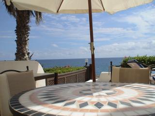 EXKLUSIVES LUXUS-APPARTEMENT direkt am Meer, Bahia Feliz