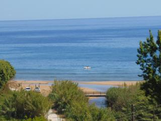 Sea Side Luxury Villa for 6 - 9  people, Lefkimi