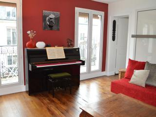Charming Flat near Bastille !!, Paris