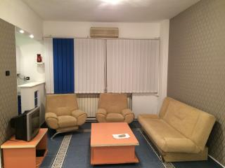 Center University 3 room Apt