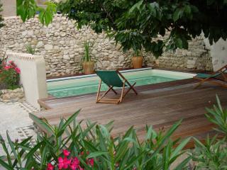 maison de village avec jardin piscine