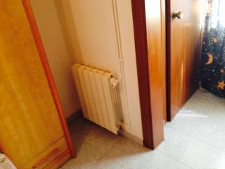 Piso con 3 habitaciones, cocina y baño., Barcellona
