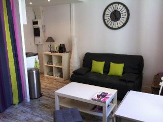 Joli studio avec mezzanine à 300m de la mer, Niza