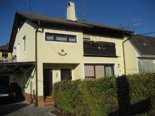 Upper floor of the house, free parking,Wlan,garden