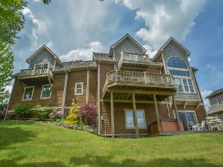 Breathtaking 4 Bedroom Mountain Chalet offers 4 Seasons of Fun!, McHenry