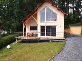 maison bord de lac sauna vtt canoe peche