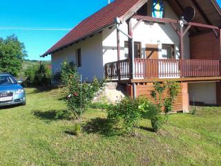 Haus mit grossem Garten, Kehidakustány