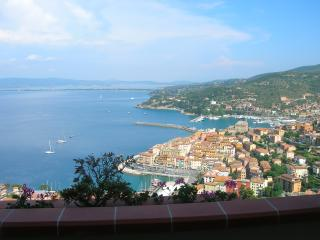 Splendido appartamento panoramico, Porto Santo Stefano