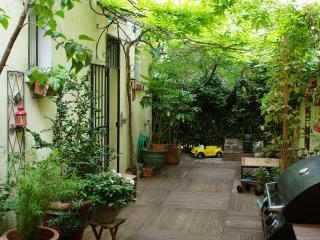 grande maison avec jardin dans paris, Parigi