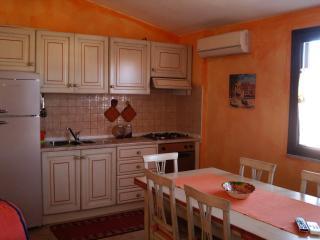 La caletta  grazioso appartamento per vacanze, La Caletta