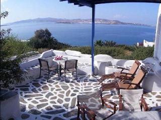 AGIA IRINI 2 bedrooms VILLA, Parikia