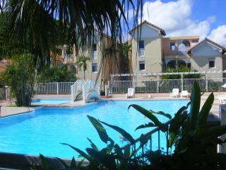 T2 RDC residence avec piscine, Sainte-Anne