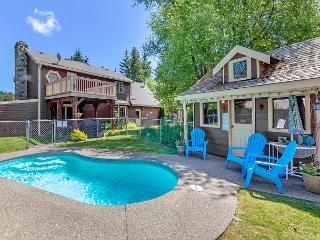 Private Pool!  Elk Meadows Lodge! *Specials* Slps 11
