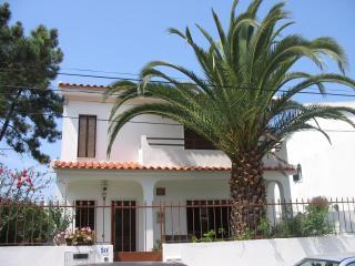 Casa da Palmeira Pax 8/10 Jardim BB - 2km da Praia, Caparica