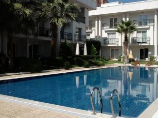 250 M.FROM THE SEA WITH POOL & GARDEN, Antália