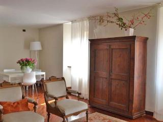 Corte Sgarzerie - two bedrooms apartment, Verona