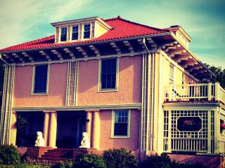 Historical Mini Mansion at the Beach, Long Beach