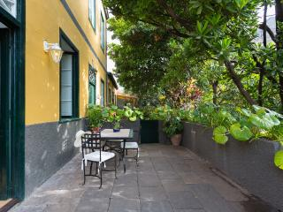 village HOUSE: MANGO-TREES GARDEN&TERRACE_BEACH_, Santa Cruz de Tenerife