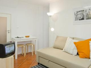 Two Floors in Central Alfama
