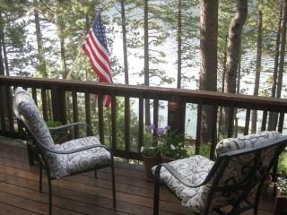 Steps away from Beautiful Donner Lake ,Truckee Ca.
