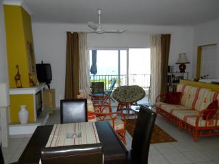 Appartement mit Panoramablick, Salema