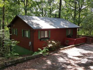 Whispering Creek - 2 bedroom, 2 private bathrooms,, Helen