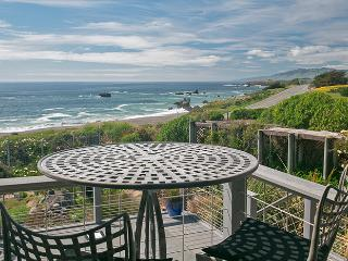 Deja Blu-Magical Ocean Front Property (Beach View), Bodega Bay