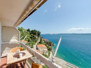 Studio - super location - top sea view - close to the beach