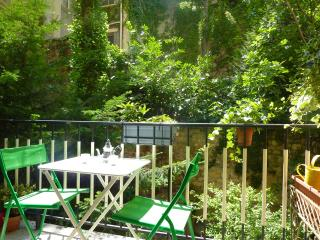 100 m² 3 bedrooms near Tour Eiffel