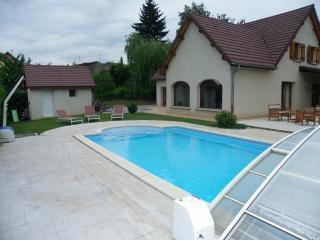 Grande maison avec piscine vers Lons-le-Saunier