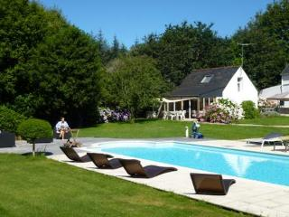 Mignon Penty ancien +piscine chauffée-proche plage, Gouesnach