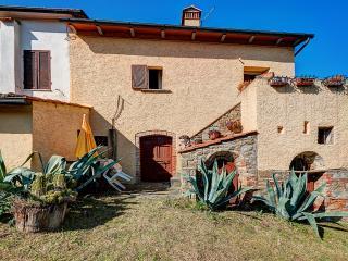 Lucia's mansion, Monte San Savino