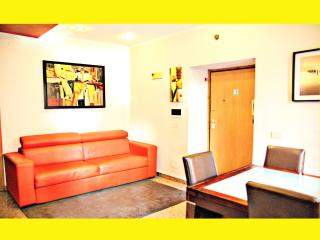 """COLOSSEO BIG10"" Apartment Entire until 10 places, Rome"