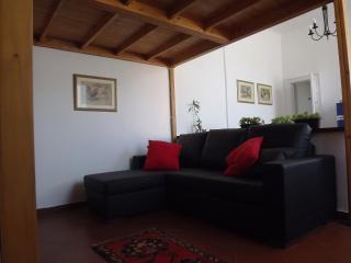 NAVIGLI delizioso loft piano alto wi-fi free, Milán