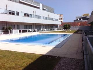 Beach apartment with pool near Porto, Matosinhos