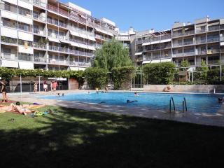 Apartamento con piscina y playa en Barcelona