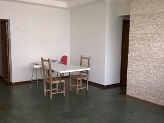 Apartamento Amplo e Confortavel. Bairro nobre!!