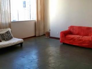 Apartamento Amplo e Confortável. Bairro nobre!!, Salvador