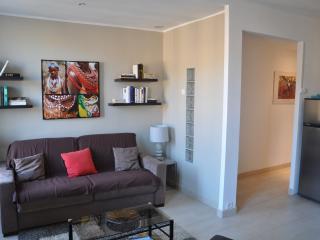 Studio 30 m2 tout equipe refait a neuf 80m du port Classe meuble de Tourisme 2*