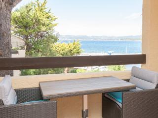 Superbe T2 vue mer, les pieds dans l'eau, Saint-Cyr-sur-Mer