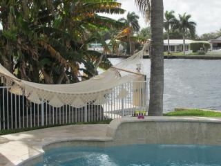 Villa Lucilla Waterfront Family-Home, heated pool, Pompano Beach