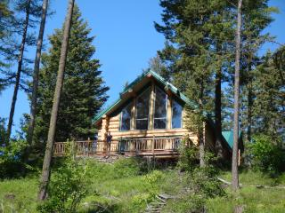 Blue Sky Lodge - Luxury Log Home on Private Lake, Bigfork