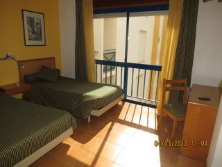 Altura Inn - apartamento na praia, wi-fi, ar condicionado, luminoso, alegre