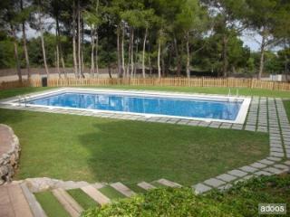 Apartamento con piscina y zona comunitaria, playa., Castelldefels