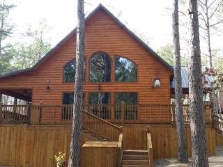 Time Well Wasted Luxury Cabin near Broken Bow Lake