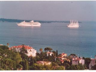 croix des gardes vue mer et verdure, Cannes