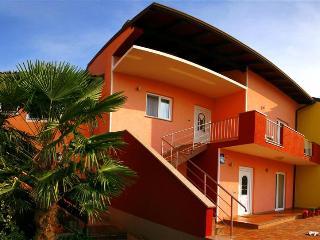 Apartments Dolcea, Zambratija